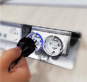 Shelly Plug S, Steckdosenschalter, Steckdose mit Messfunktion, 12A, 2500W, WLAN Schalter, Alexa und Google Home